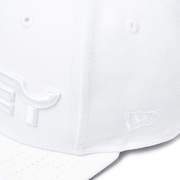 Mark II Novelty Snap Back - White/White