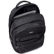 Street Skate Backpack - Blackout