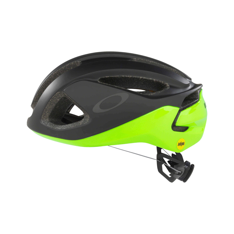 Oakley ARO3 black-green