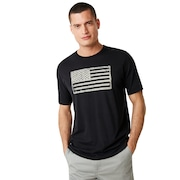 SI Distressed Flag Tee