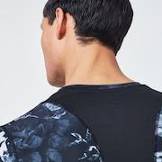 Technical Under V neck 10.0 - Black Print
