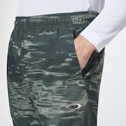 Enhance Mobility Quarter Pants - Green Print
