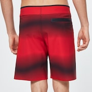 Dynamic Seamless Boardshort 19 - High Risk Red