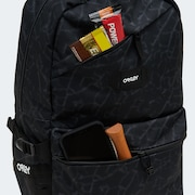 Street Backpack - Black Glass Print