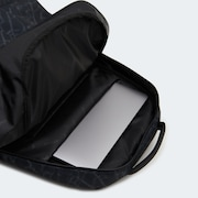 Street Skate Backpack - Black Glass Print
