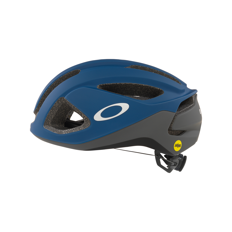 Oakley Aro3 In Blue