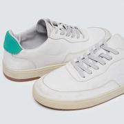 Atom Premium - White