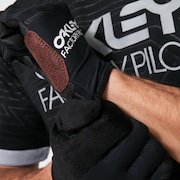 All Conditions Gloves - Blackout
